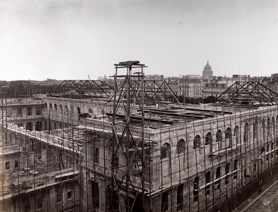 Construction of École de Droit*.