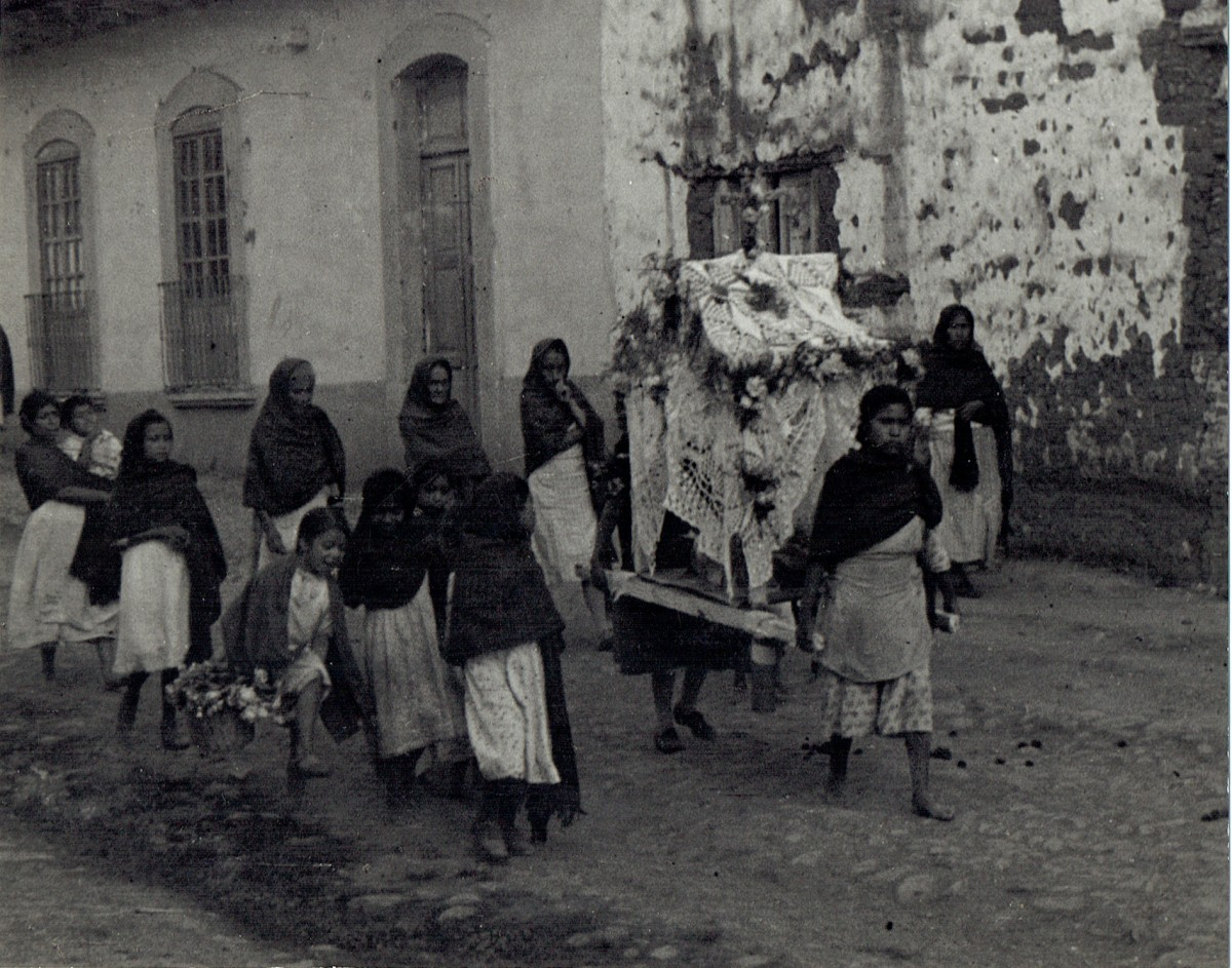 Entierro de Maria (Funeral of Little Mary)