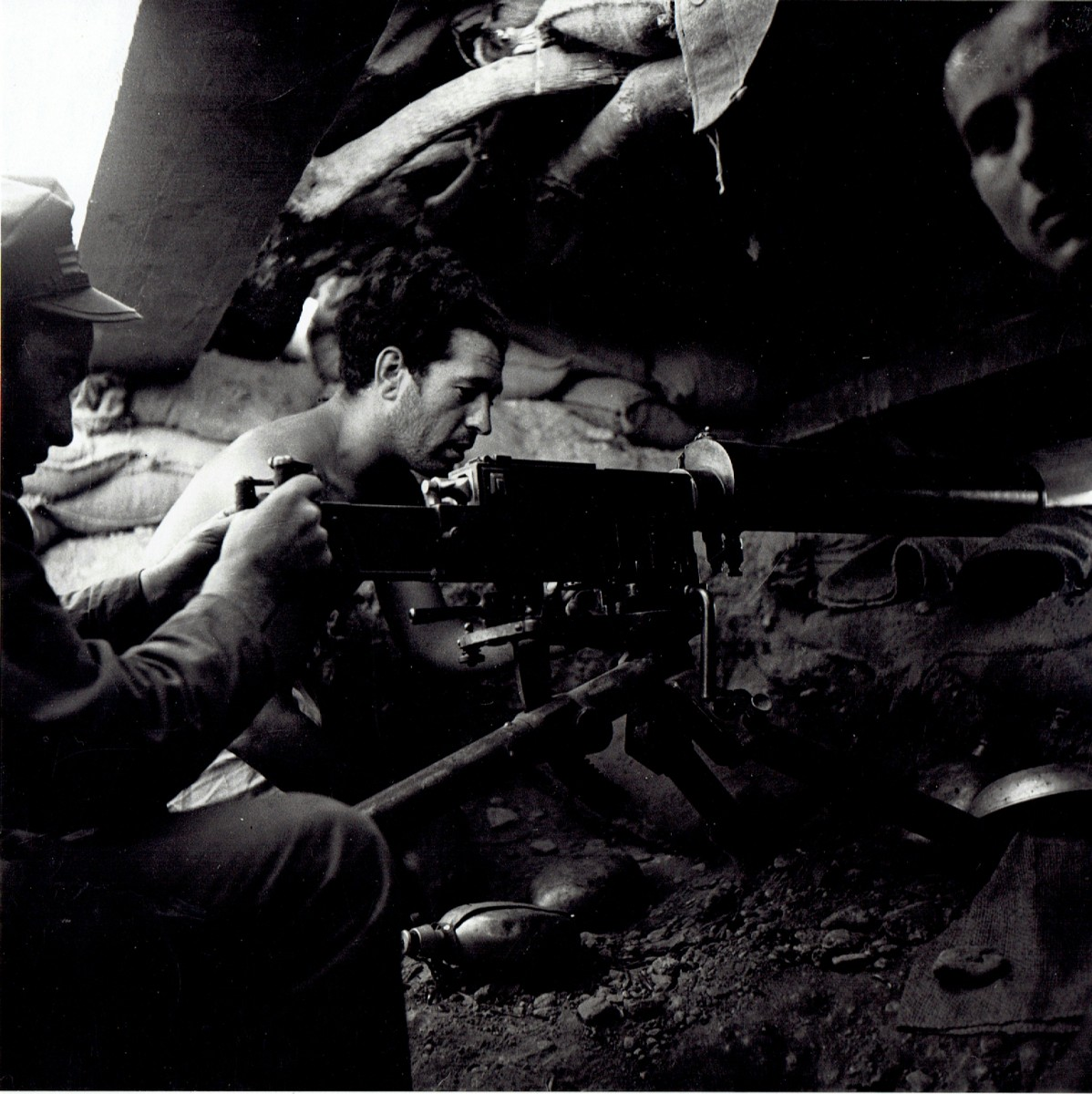 Untitled (trench and machine gunner), Spanish Civil War